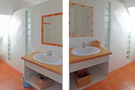 2 salles de bain à l'étage avec douche