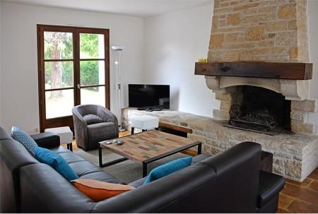 Villa de la Plage : le salon avec TV écran plat
