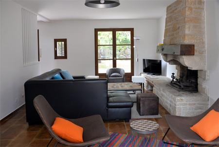 Villa de la Plage : un grand salon confortable